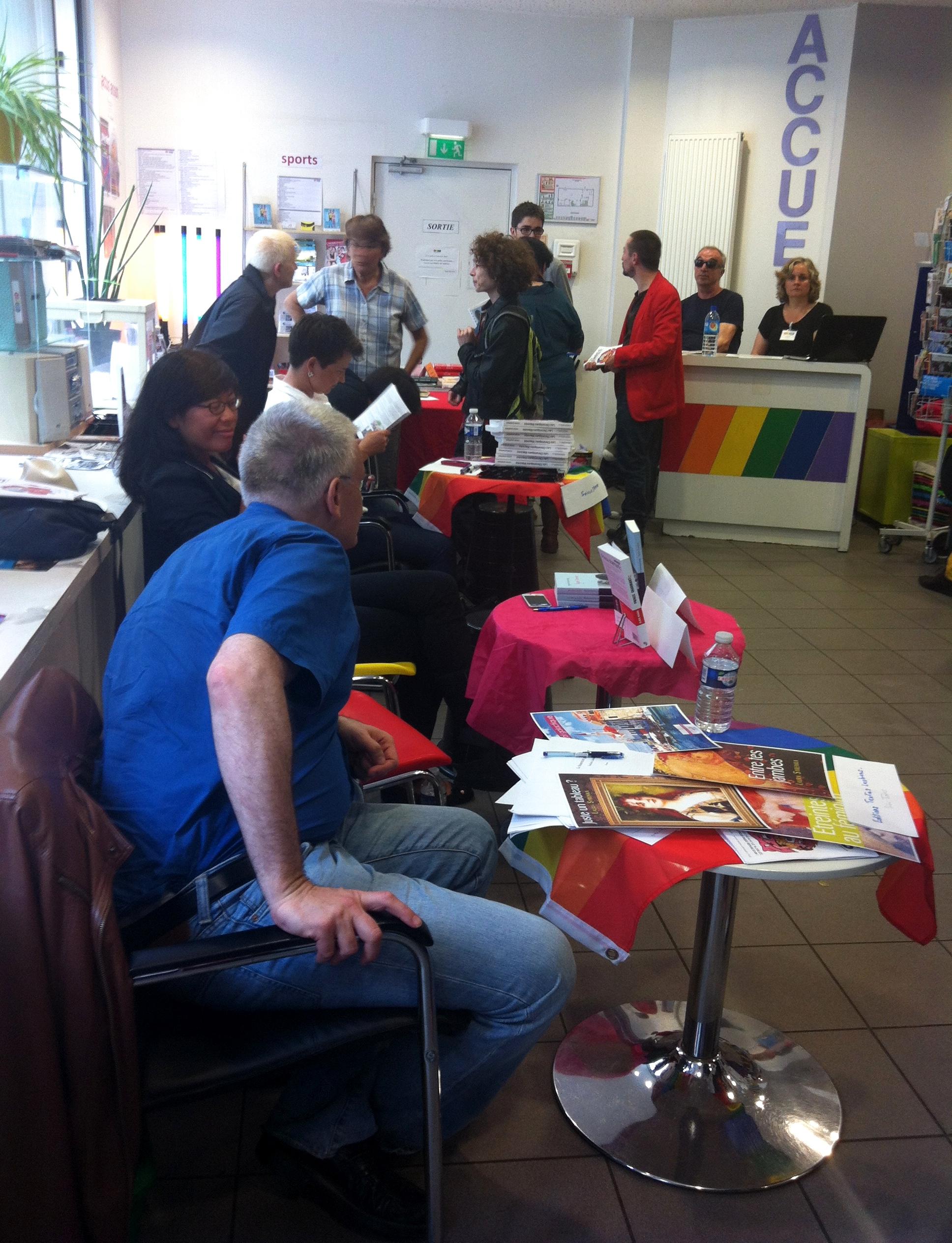 salon du livre lesbien centre LGBT 2014 paris dédicaces auteurs
