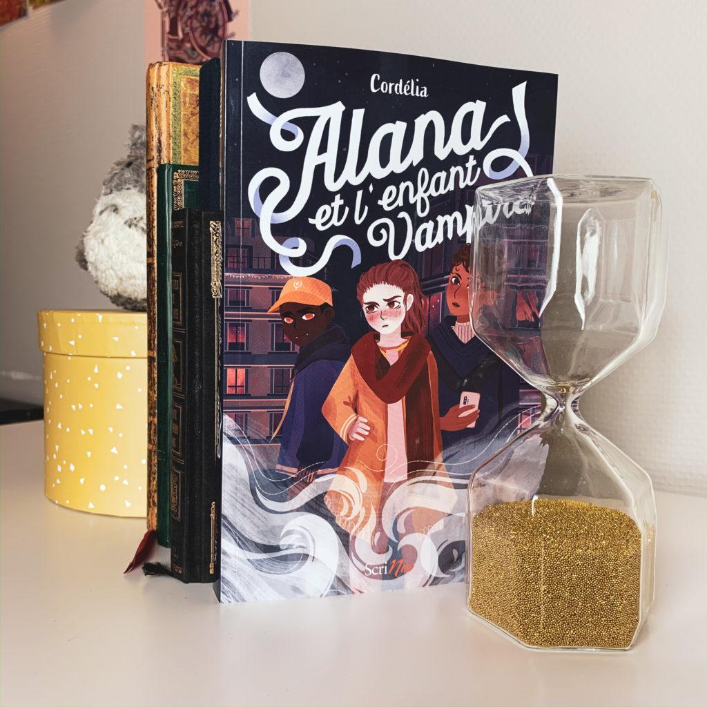 Pile de carnet avec Alana et l'enfant vampire au premier plan